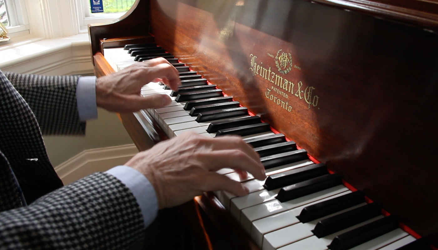 heintzman piano close up